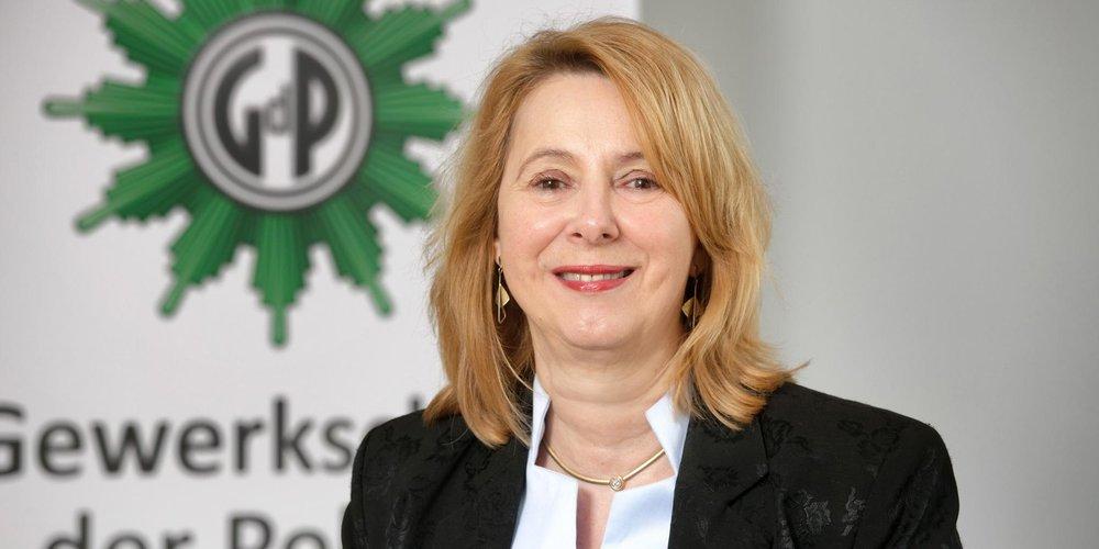 Portrait von GdP Vorstandsmitglied Elke Gündner-Ede