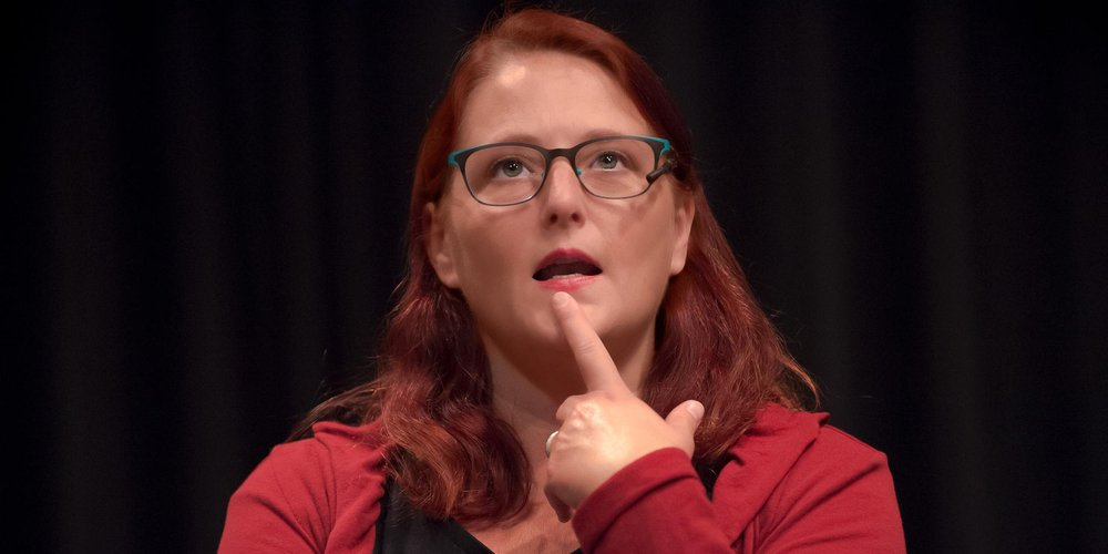 Portrait Kabarettistin Anny Hartmann